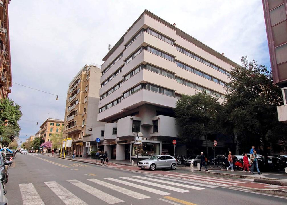 Via valadier uffici in affitto 4 piano for Uffici in affitto roma prati