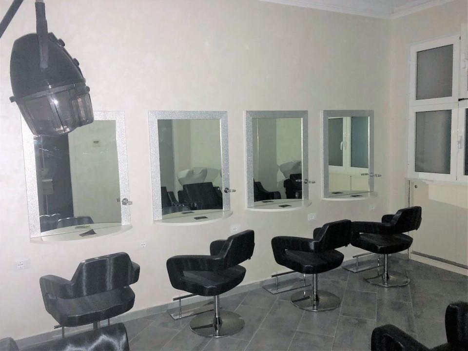 Spagna negozio in affitto ristrutturato per salone di parrucchiere