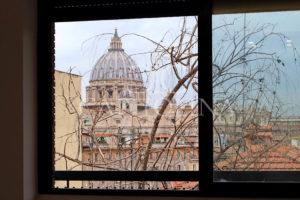 San Pietro: via delle Mura Aurelie, occasione unica